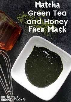 Would you like to pamper your skin but without the high price tag of a spa trip? This Homemade Matcha Green Tea & Honey Face Mask will help fight the signs of aging, sooth acne breakouts, moisturize your skin and more. This all natural green tea face mask