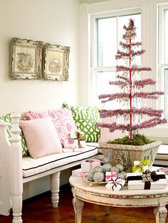 Christmas Tree Pictures, Pink Christmas Tree, Shabby Chic Christmas, Noel Christmas, Merry Little Christmas, Christmas Colors, Vintage Christmas, Christmas Decorations, Country Christmas