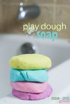 Bath Time Play Dough (with Video) ⋆ Sugar, Spice and Glitter How to make homemade play dough soap - a fun idea for bath time sensory play, this play dough soap actually suds up and cleans and doesn't leave any residue on your bath Homemade Playdough, Homemade Soap Recipes, Homemade Gifts, Bath Recipes, Como Hacer Play Doh, Homemade Beauty, Diy Beauty, Diy Lush, Diy Savon
