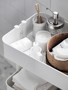Only Deco Love: Simple small bathroom scandinavian inspiration
