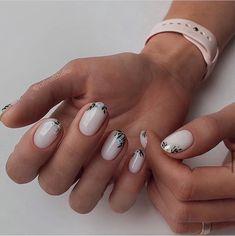 imagen descubierto por gravtess. Descubre (¡y guarda!) tus propias imágenes y videos en We Heart It Perfect Nails, Gorgeous Nails, Pretty Nails, Short Nail Manicure, Short Nails, Manicure Ideas, Funky Nails, Minimalist Nails, Flower Nails