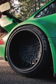 Frog green Ruf Porsche Porsche Wheels, Porsche 911 964, Car Wheels, Black Rims Car, Luxury Sports Cars, Sport Cars, Deep Dish Rims, Lamborghini, Bugatti