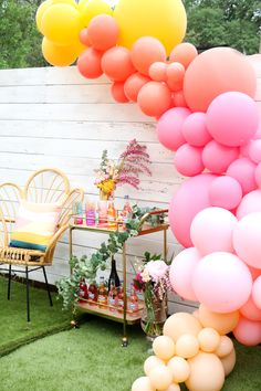 Mother's Day Sips and Sweets Party, decorated with an organic balloon arch in pastel colors. day party Mother's Day Sips and Sweets Party - A Kailo Chic Life Baby Shower Balloon Decorations, Kids Party Decorations, Baby Shower Balloons, Balloon Garland, Balloon Arch, Birthday Balloons, Birthday Parties, Party Ideas, Wedding Balloons