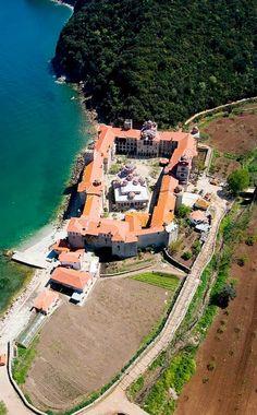 Esphigmenou Monastery on Mount Athos, Greece Mykonos, Beautiful Islands, Beautiful Places, The Holy Mountain, Macedonia Greece, Christian World, Religious Architecture, Kirchen, World Heritage Sites