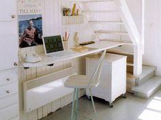 Mobili in legno bianco