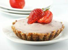 Strawberry Cheesecake (raw food stuff)