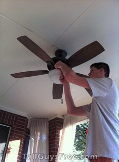 Allan need no ladder to fix ceiling fan. Giants Today, Human Giant, Tall People, Tall Guys, Ceiling Fan, Ladder, Renaissance, Sculpture, Funny
