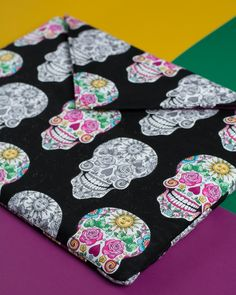 Learn how to make an envelope laptop sleeve to fit any laptop or tablet!