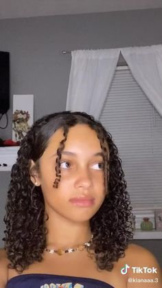 Hairdos For Curly Hair, Girls Natural Hairstyles, 4c Hair, Curly Hair Care, Box Braids Hairstyles, 2000s Hairstyles, Balayage For Curly Hair, Black Girl Prom Hairstyles, Latina Hairstyles