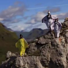 We are up in the sky today… Turbolenza Dolomites Wingsuit B.A.S.E. Tour will take you to extraordinary landscapes and exciting flights through the majesty among the most beautiful mountains in the world. A breathtaking video!