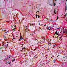 Jeongmee Yoon - Chaeyeon and Her Pink Things, 2009