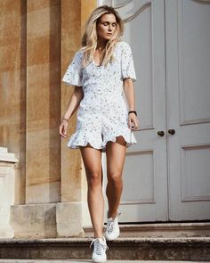 Check out the cute astrological print on this short playsuit – River Island zodiac style is so on point for Summer! Best Summer Dresses, Summer Outfits, Corporate Outfits, Short Playsuit, Street Style Summer, Weekend Outfit, Chic Outfits, Street Styles, Dress To Impress