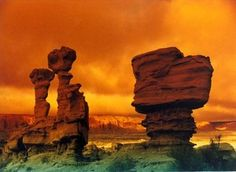 Ischigualasto / Talampaya Natural Parks, Provinces of San Juan and La Pioja, Argentina. Inscription in 2000. Criteria: (viii)