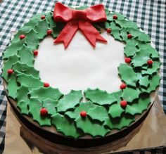 Decoration, Wearth Decorated Christmas Cakes Modern Christmas Decorations: Creative Christmas Cake Decorating Ideas