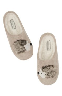 Aww how cute are these little Hedgehog slippers from Primark!