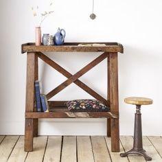 Etabli haut - desuet.fr Entryway Tables, Backyard, Cabin, Furniture, Home Decor, Top, Home, Patio, Decoration Home