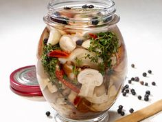 Recetas | Hongos en escabeches | Utilisima.com Fermenting Jars, Chutney, Mexican Food Recipes, Healthy Recipes, Mexican Kitchens, Some Recipe, Health And Nutrition, Vegetable Recipes, Appetizer Recipes