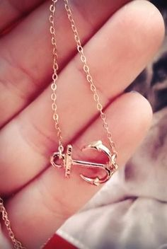Side Anchor Necklace