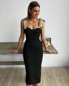 30 Beautiful and Modest Dresses for Elegant Ladies — Classy Outfit Ideas Classy Outfits, Stylish Outfits, Elegant Dresses, Beautiful Dresses, Modest Dresses, Looks Party, Mode Ootd, Dress Up, Bodycon Dress