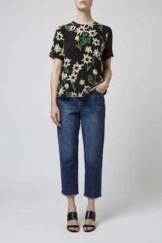 Look to moody florals to dress up your look this season with this premium print tee. A bold pattern, it comes in a classic silhouette with a crew neck, boxy lines and an invisible zip closure to the back. By Boutique. #Topshop