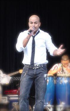salsa singer michael stuart #salsa| cantantes | musicos | pachucochilango.com