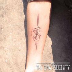 Abstract geometric tattoo by Rosie @rosie_seventyeight #tatoeage #artonskin #geometricaltattoo #liningtattoo #tattrx #equilaterra #minimalistictattoo  www.facebook.com/theinksocietyNL www.theinksociety.nl