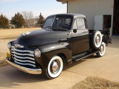 Photos of Chevrolet 3100 Pickup 1951 New Chevrolet Trucks, 53 Chevy Truck, Chevrolet 3100, Old Pickup Trucks, Gm Trucks, Cool Trucks, Gmc Pickup, Antique Trucks, Vintage Trucks