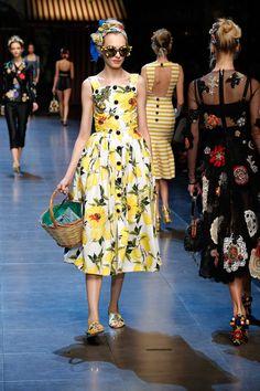 dolce-and-gabbana-summer-2016-women-fashion-show-runway-16