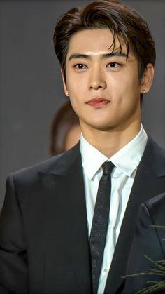 Jaehyun Nct, Pretty Boys, Cute Boys, Rapper, Jung Yoon, Valentines For Boys, Jung Jaehyun, Wow Art, Raining Men