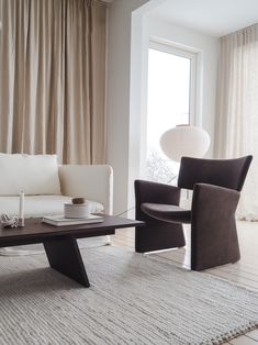 Quiet Sunday at home with family and friends. Coffee table made by us. Dyi, Decoration Table, Decor Diy, Home Decor, Best Decor, Minimalist Decor, Living Room Interior, Scandinavian Design, Interior Inspiration