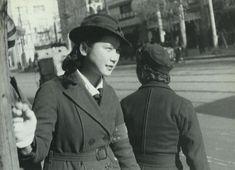 """戦前~戦後のレトロ写真さんのツイート: """"1941年(昭和16年)。東京のバスガールさんです。木村伊兵衛撮影。… """""""