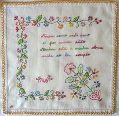 lenço dos namorados 7 Embroidery Stitches, Embroidery Patterns, Sewing Machine Projects, Boho Designs, Couture, Diy And Crafts, Applique, Patches, Cross Stitch