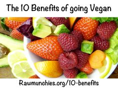 Start your week off on the right foot and put the sugary snacks down! Instead make a fruit salad tha Alain Delabos, Benefits Of Going Vegan, Diet Recipes, Healthy Recipes, Vegetarian Recipes, Nutrition, Green Smoothie Recipes, Mindful Eating, Smoothie Recipes