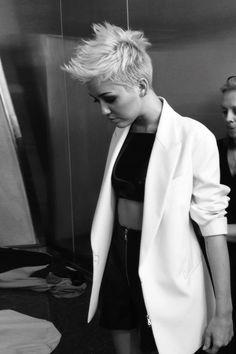 Miley Cyrus http://www.pinterest.com/nickibryson/miley-cyrus/