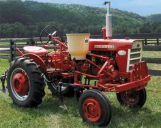 Here's your chance to share a photo of your favorite tractor. Small Tractors, Compact Tractors, Old Tractors, Lawn Tractors, Antique Tractors, Vintage Tractors, Vintage Farm, Farmall Super A, Tractor Pictures
