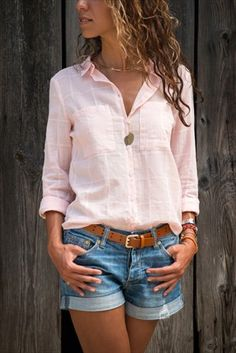 Vamos A Vivir Casual Summer Outfits For Women, Cool Outfits, Casual Outfits, Fashion Outfits, White Shirt And Blue Jeans, Summertime Outfits, Casual Chic, Casual Looks, Shirt Style