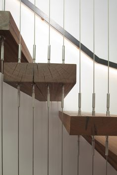 cable attachments to stairs Wire Deck Railing, Stair Handrail, Banisters, Railings, Steel Stairs Design, Staircase Design, Wire Balustrade, Stair Detail, Floating Stairs