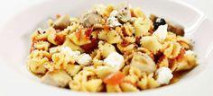 Farfalle mit Steinpilzen Brunch, Pasta, Falstaff, Macaroni And Cheese, Ethnic Recipes, Food, Zucchini Flowers, Porcini Mushrooms, Eten