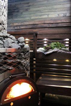 dark coloured sauna Sauna Ideas, Sweat Lodge, Sauna Design, Finnish Sauna, Spa Rooms, Saunas, Dream Rooms, Home Decor Inspiration, House Colors