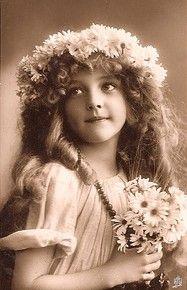 Antique Postcard : Fille Ruban Monde vierge
