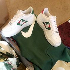 4b73e9c42d57 Danielle added a photo of their purchase Put On Your Shoes