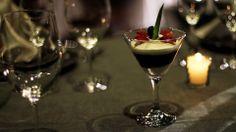 Uno de nuestros exquisitos postres en el exclusivo Restaurante Ciento 37. Mousse de queso cotija acompañado de mermelada de Maracuya.