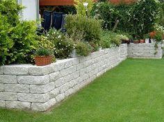 garten hang terrasse stein stützmauer | beleuchtung garten, Gartenarbeit ideen