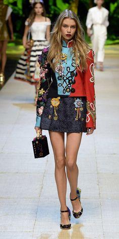 Desfile Dolce   Gabbana Primavera Verão 2017  Milan Fashion Week  Destaques e07c7f29a680e