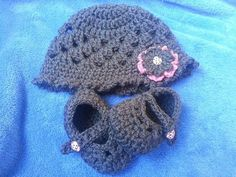 Crochet Grey Baby Hat and Shoes Set by LEACreations on Etsy