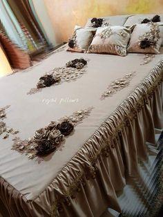 Bed Comforter Sets, Duvet Bedding, Bed Cover Design, Bed Design, Bedroom Sets, Bedroom Decor, Luxury Bedspreads, Living Room Wall Designs, Designer Bed Sheets