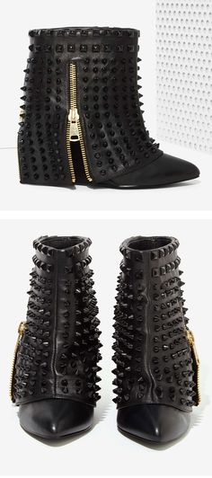 Battle Studded Leather Boots #NastyGal