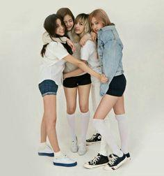 Que monas🤗 Kim Jennie, Jenny Kim, Yg Entertainment, Forever Young, Kpop Girl Groups, Kpop Girls, K Pop, Square Two, Blackpink Members
