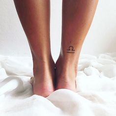 Zodiac tattoos that look stylish? diy tattoo images - tattoo im Tiny Tattoos For Women, Cute Small Tattoos, Trendy Tattoos, Stylish Tattoo, Diy Tattoo, Tattoo Fonts, Disney Tattoo Motive, Disney Tattoos, Mini Tattoos