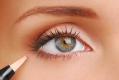 This eye looks greener to me...eyes can be that way. Might try this look for an upcoming wedding!